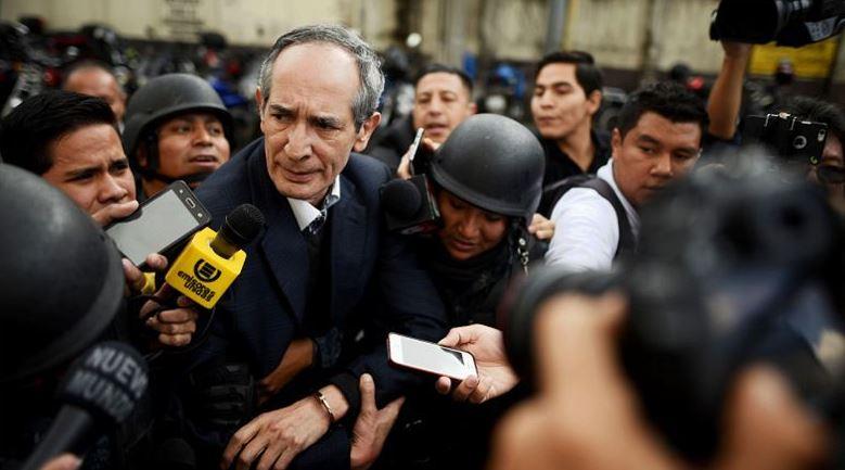 El expresidente Álvaro Colom es acusado de crear el sistema Transurbano para extraer fondos de forma anómala del Estado de Guatemala. (Foto: Archivo EFE)