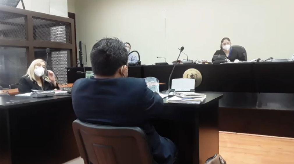 La audiencia del caso Creompaz en el que están implicados los militares retirados Benedicto Lucas y Raúl Dehesa se suspendió ayer. (Foto: Prensa Comunitaria)
