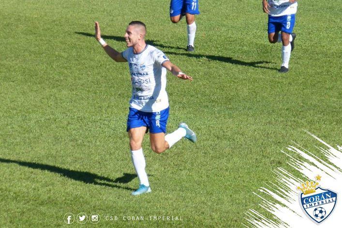 El defensa Elías Enoc Vásquez anotó el gol del Cobán Imperial, en su visita contra Deportivo Guastatoya en el estadio David Cordón Hichos. (Foto: Cobán Imperial)
