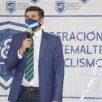 Stuard Rodríguez, presidente de la Federación de Ciclismo, durante la conferencia de prensa donde anunción que se recibió el aval para organizar la Vuelta a Guatemala en su 60 edición. (Foto: Cortesía)