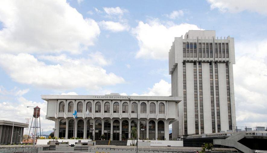 La audiencia donde debía declarar Eva Judith Granados, implicada en supuestos actos de corrupción en el Ministerio de Cultura y Deportes, quedó aplazada. (Foto: El Periódico)