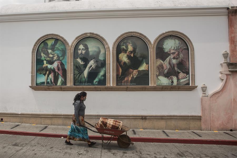 El final del toque de queda representa que la vida nocturna vuelve sin restricciones de horario ni movilización en Guatemala. (Foto: EFE)