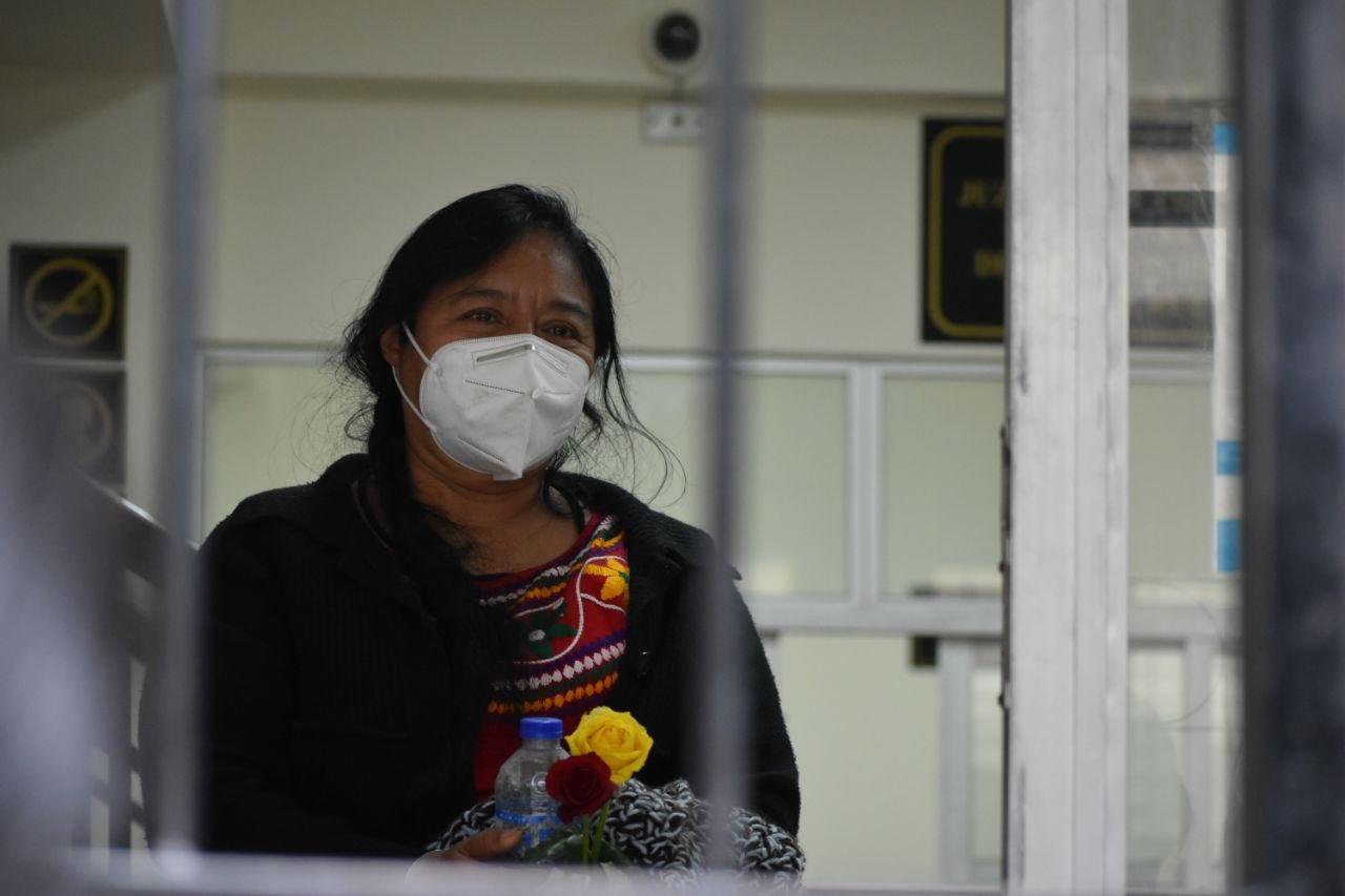 La periodista Anastasia Mejía Tiriquiz fue ligada a proceso por los supuestos delitos de sedición, incendio y atentado con agravación de la pena. (Foto: Plaza Pública)