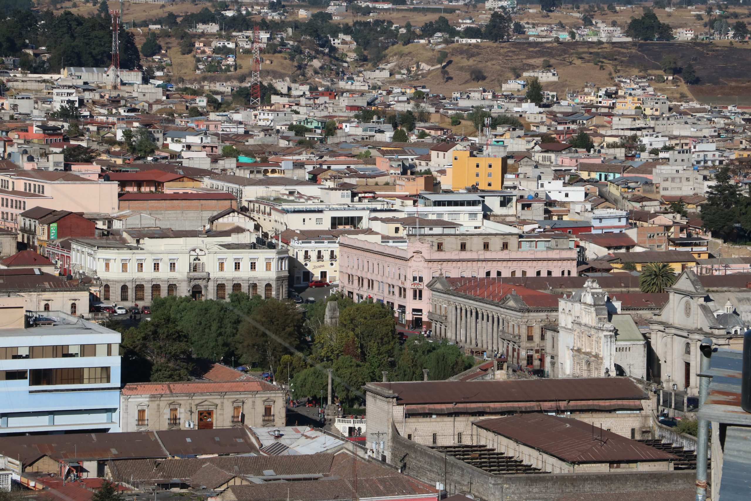 Los casos de Covid-19 no han bajado y se reporta un incremento en zona urbana y rural en Xela.