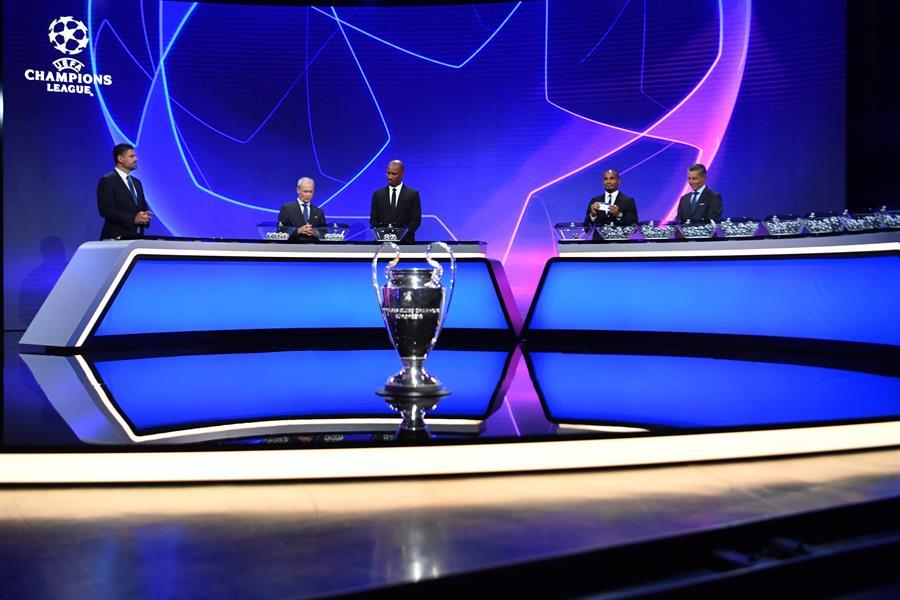 La UEFA realizó este jueves el sorteo de la fase de grupos de la Liga de Campeones de Europa. (Foto: EFE)