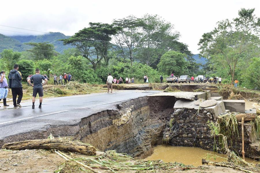 Eta continúa en una devastada Centroamérica donde ha causado muertes, inundaciones y desaparecidos. (Foto: EFE)