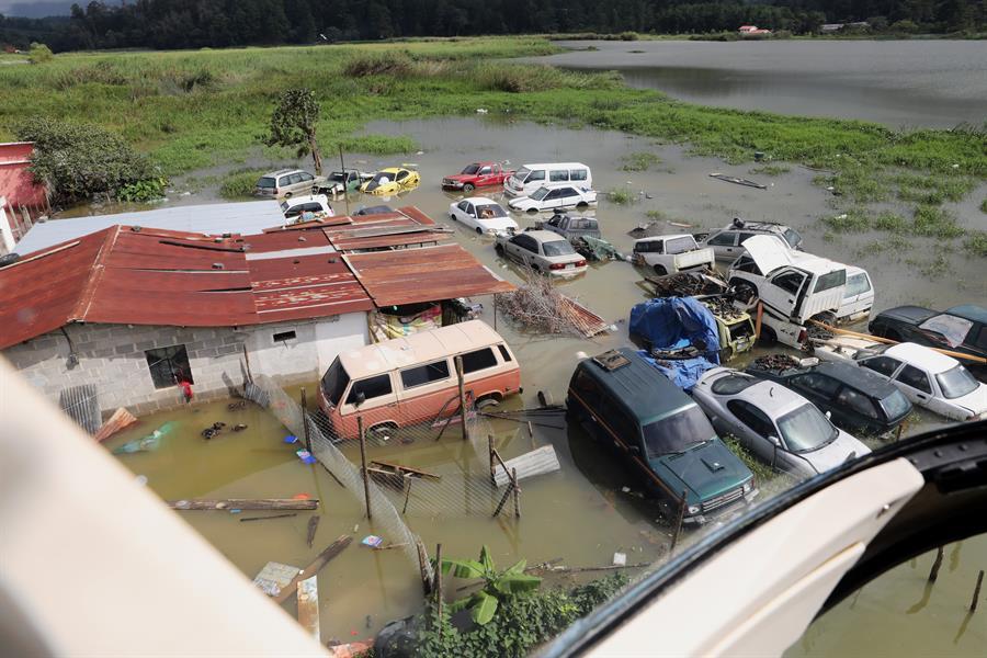 Vista aérea, del 7 de noviembre de 2020, del desastre en la aldea Quejá por una alúd provocado por el paso de la tormenta Eta, en San Cristóbal Verapaz, Alta Verapaz. (Foto: EFE)