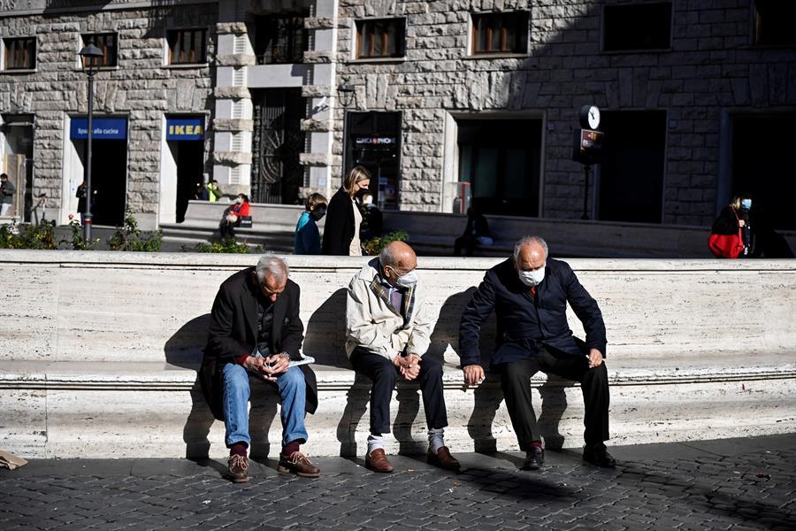 Italia ha registrado 731 muertos por el COVID-19 en las últimas veinticuatro horas. Además se han producido 32 mil 191 nuevos contagios. (Foto: EFE)