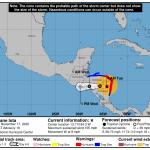 """La CONRED informó este martes que 124 de los 340 municipios del país están en riesgo """"alto"""" o """"medio"""" de sufrir daños por la llegada del huracán Iota."""