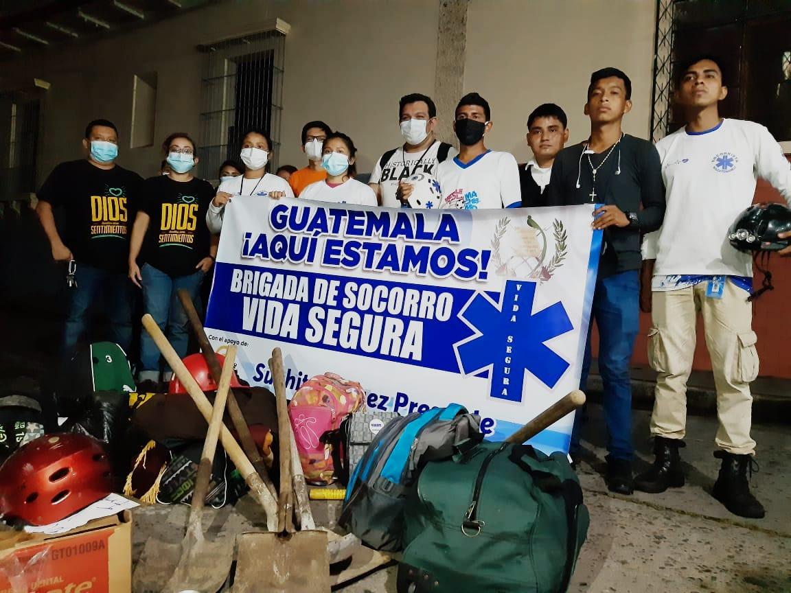 Diferentes grupos sociales y brigadas se han unido en Suchitepéquez para recaudar víveres para los damnificados por la tormenta torpical Eta. (Foto: Cristian Soto)