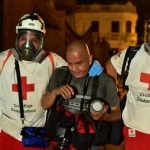 Al menos cinco periodistas que cubrían las protestas resultaron heridos por los encapuchados que enturbiaron las manifestaciones populares. (Foto: Twitter)