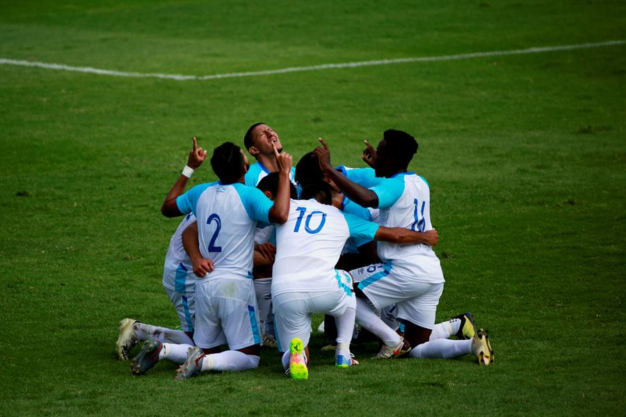 La Selección Nacional derrotó 2-1 a Honduras en el partido amistoso que se disputó este domingo en el Estadio Doroteo Guamuch Flores. (Foto: EFE)