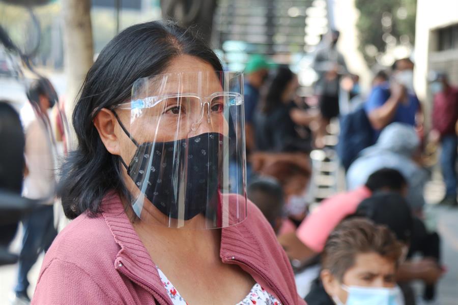 """La situación del COVID-19 en México es alarmante según los expertos que contradicen una """"pandemia controlada"""" que anuncia el gobierno. (Foto: EFE)"""