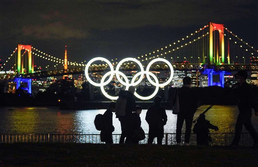 Las autoridades japonesas anunciaron un primer plan de medidas para evitar infecciones de COVID-19 durante losJuegos Olímpicos de Tokio. (Foto: EFE)