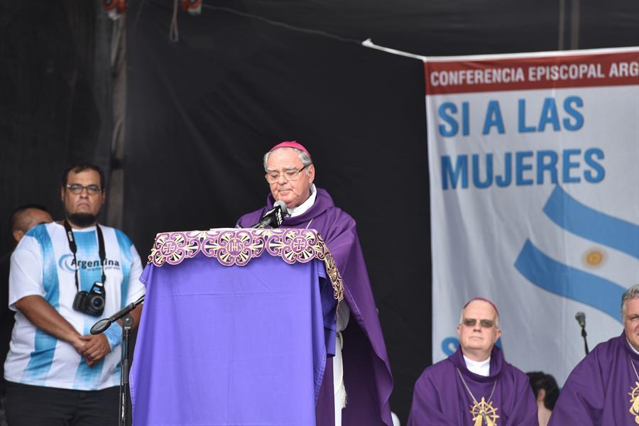 En la imagen, el obispo argentino Oscar Ojea. EFE/Javier Moreno/Archivo