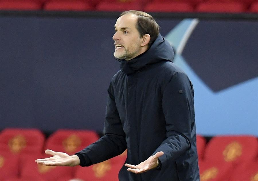 El París Saint-Germain -PSG- hizo oficial este martes la destitución de su entrenador, el técnico alemán Thomas Tuchel. (Foto: EFE)