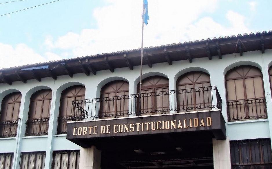 La Corte de Constitucionalidad suspendió el proceso de antejuicio contra sus magistrados titulares, Gloria Porras y Francisco de Mata Vela. (Foto: Archivo)