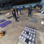 Las autoriades localizaron 342 paquetes de cocaína en una aeronave en el parque nacional Sierra del Lacandón en La Libertad, Petén. (Foto: PNC)