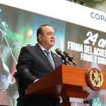 El presidente Alejandro Giammattei, hizo este martes un llamamiento a la población para replantear los Acuerdos de Paz que acabaron con el conflicto armado interno hace 24 años. Además pidió el acompañamiento de la comunidad internacional para este proceso.