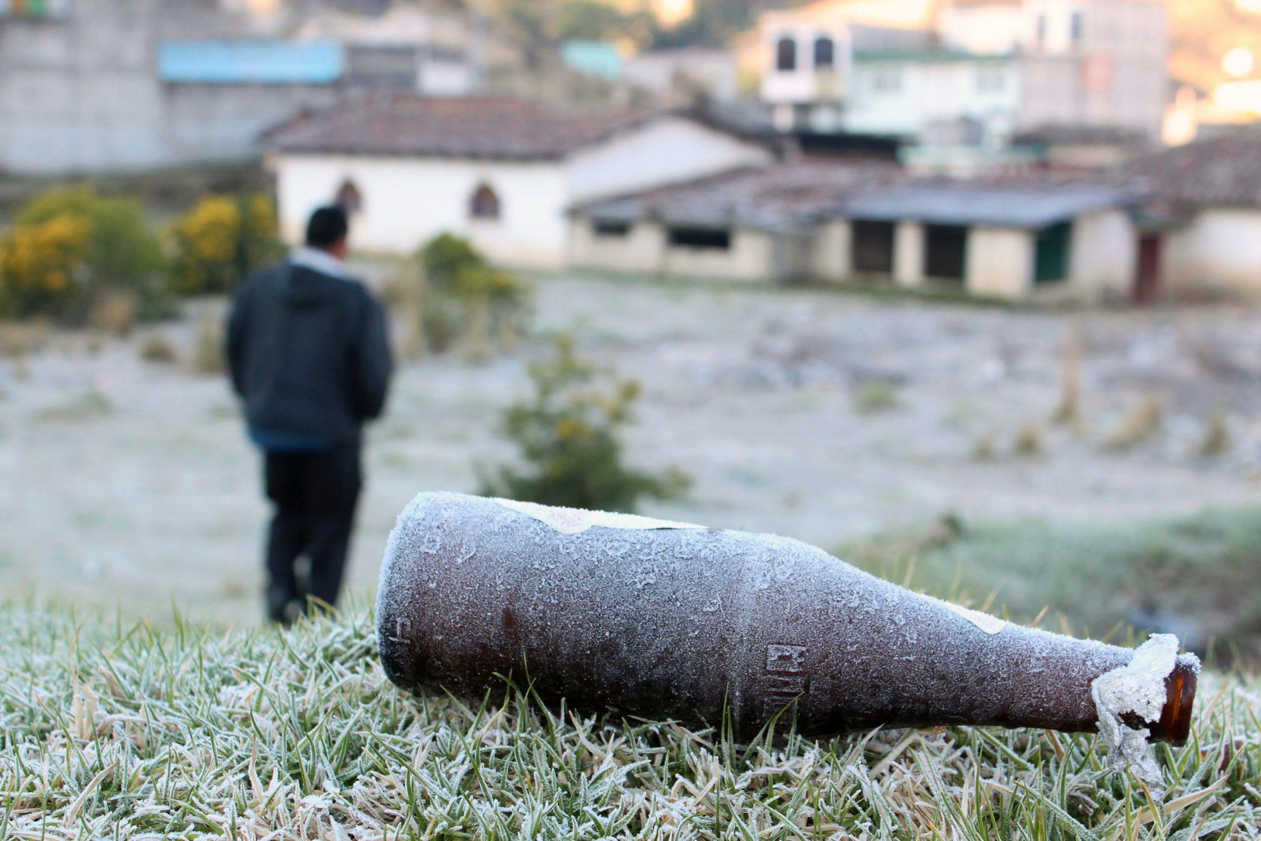 Quetzaltenango y otros departamentos del occidente del país amanecieron con una temperatura 2.2 grados bajo cero. (Foto: Carlos Ventura)