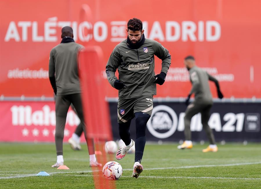 El delantero del Atlético de Madrid Diego Costa, durante la última sesión de entrenamiento en Majadahonda antes de recibir mañana, sábado, al Elche en el Wanda Metropolitano. EFE/ Atlético De Madrid