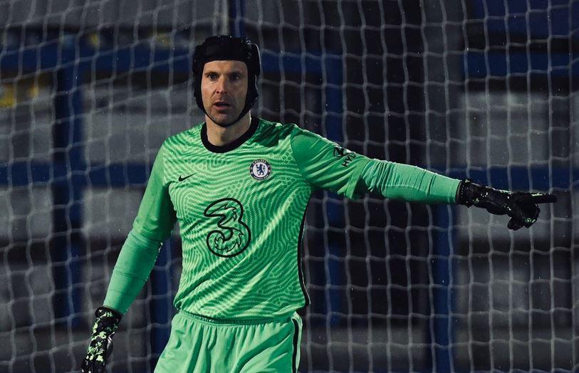 Petr Cech, portero histórico del Chelsea, salió del retiro este lunes para jugar un encuentro con el Chelsea sub23.