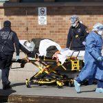 Estados Unidos alcanzó este martes un nuevo récord de muertes diarias por COVID-19, con 3 mil 725 en un solo día. (Foto: EFE)