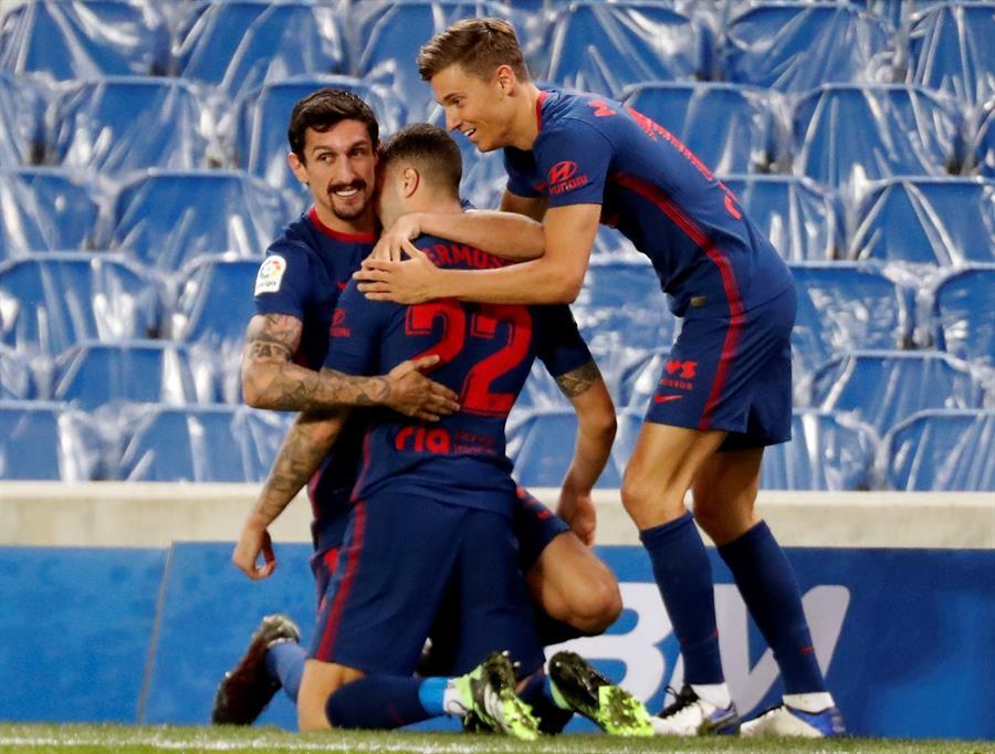 El Atlético, más líder tras superar a una Real Sociedad sin pegada