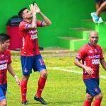Municipal venció 2-0 a Santa Lucía, ganó la clasificación y Ramiro Rocca igualó el récord de Rolando Fonseca con 21 goles, del año 2000. (Foto: CSD Municipal)