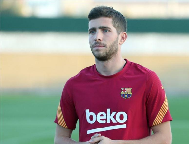 El jugador del Barcelona Sergi Roberto ha dado positivo por COVID-19, lo que ha levantado una alarma en el equipo catalán. (Foto: FC Barcelona)