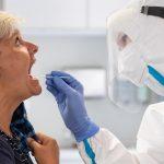 La variante del coronavirus descubierta por primera vez en el Reino Unido prosigue su avance en EE.UU., país donde ya se contabilizan 293 de estos casos.