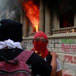 La organización no gubernamental Unidad de Protección a Defensores de Derechos Humanos de Guatemala -UDEFEGUA- denunció este al ministro de Gobernación, Gendri Reyes Mazariegos; esto debido al comportamiento de la policía durante la manifestación el 21 de noviembre pasado.