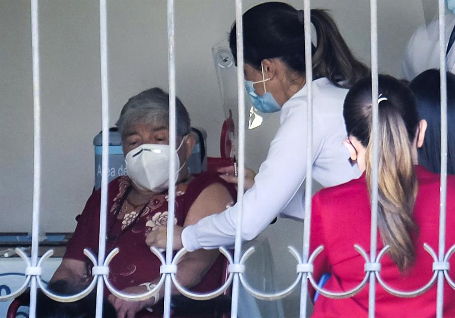 La llegada de las vacunas contra el COVID-19 en Centroamérica, es incierta en todos sus países, a excepción de Costa Rica y de Panamá. El istmo es una región de Latinoamérica de las más castigadas por la pobreza.