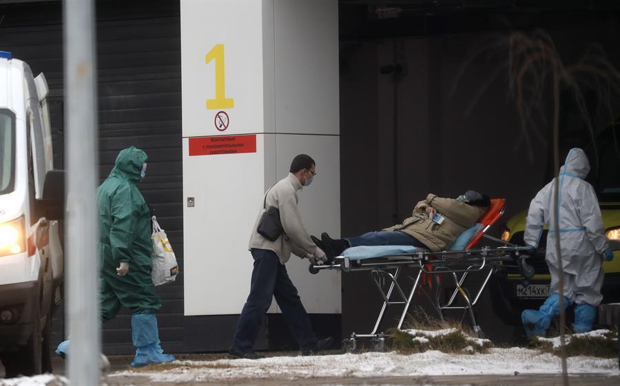 Las hospitalizaciones por coronavirus en Rusia han disminuido en un 16 % en los últimos días; esto según la directora de la Agencia de Defensa del Consumidor, Anna Popova, quien destacó que la situación epidémica en el país se estabiliza.