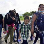El Gobierno de Guatemala mantiene firme este viernes su posición de no permitir el ingreso al territorio de los miles de migrantes hondureños; dichos ciudadanos pretenden cruzar el país en caravana rumbo a México para luego llegar a Estados Unidos.