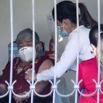 Costa Rica inició este la aplicación de la segunda dosis de la vacuna contra el COVID-19. En total fueron 55 personas las que recibieron el medicamento, informó la Casa Presidencial.