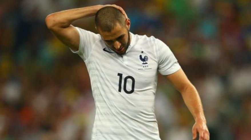 Karim Benzema, delantero del Real Madrid, será juzgado por complicidad en el caso del chantaje con un vídeo de contenido sexual al también jugador Mathieu Valbuena; esto lo anunció este jueves la fiscalía del Tribunal de Versalles.