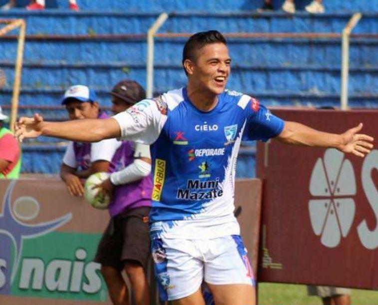 Estrada Hidalgo, quien cumplió 18 años el pasado 18 de diciembre, debutó en la Liga Nacional con Suchitepéquez. (Foto: Cortesía)