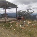 El mirador de Rabinal, Baja Verapaz, ubicado en el Km. 168, es uno de los sitios más visitados por la población; sin embargo, el entorno del mismo ha sido afectado, ya que, se observan grandes cantidades de desechos.