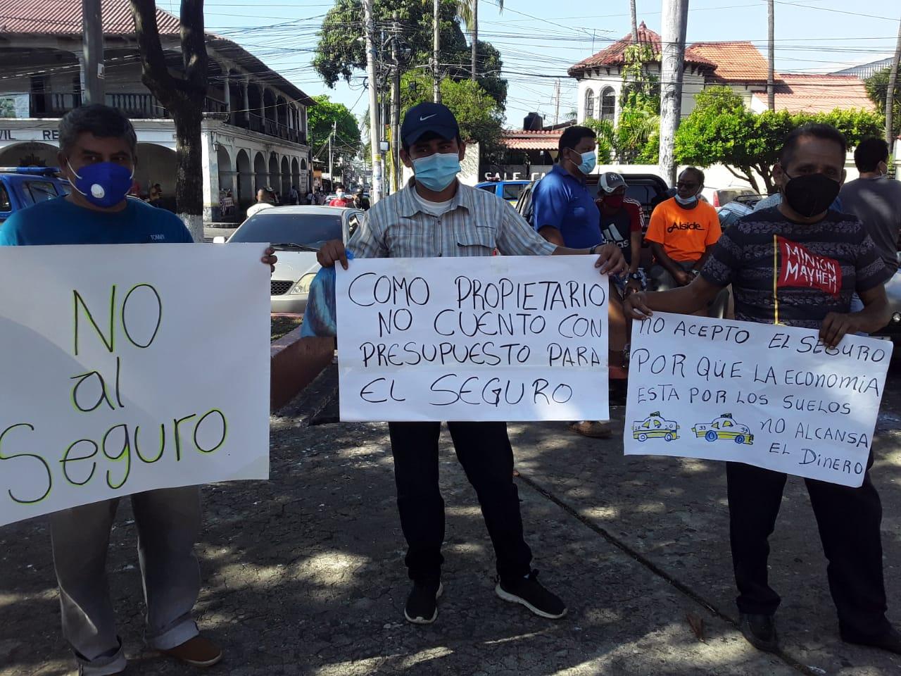 Retalhuleu: Taxistas realizan manifestación pacífica