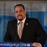 El Ministerio Público -MP- realiza una serie de allanamientos este sábado para capturar al exministro de comunicaciones José Luis Benito. La orden de aprehensión la giró el juzgado de Mayor Riesgo C.