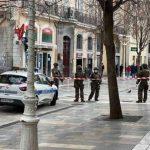 La policía detuvo este lunes a un hombre en Toulon, Francia, tras el macabro descubrimiento de la cabeza de un hombre en una caja de cartón; esta habría sido lanzada por la ventana de un apartamento del centro de la ciudad.