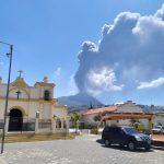 El volcán de Pacaya se activó este viernes por la mañana con fuertes explosiones que mantienen en alerta a las autoridades.