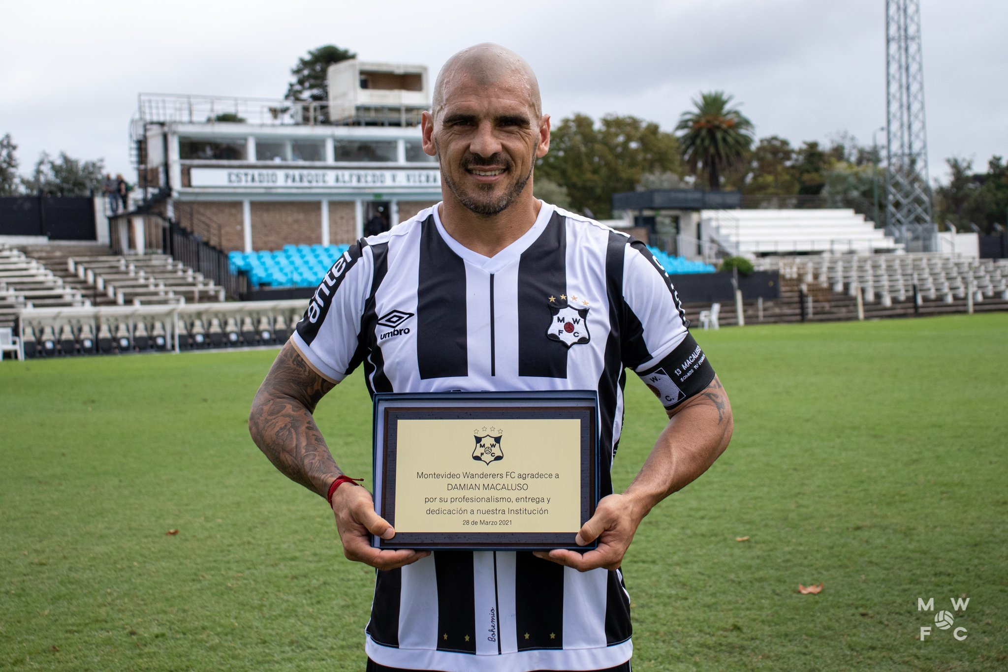 El uruguayo Damián Macaluso decidió ponerle fin a su carrera como futbolista activo el lunes anterior. El charrúa fue campeón con Cobán Imperial en 2004.