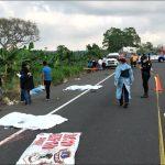 Dos hermanos murieron atropellados por un camión que se dio a la fuga durante la madrugada de este miércoles, en Colomba, Quetzaltenango.