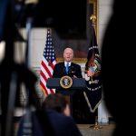Biden promete vacunas para todos los adultos en EE.UU. antes de final de mayo