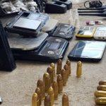 Elementos de la Policía Nacional Civil -PNC- reportaron la captura de siete presuntos pandilleros de la mara 18 y salvatrucha; se les decomisaron armas de fuego y municiones.