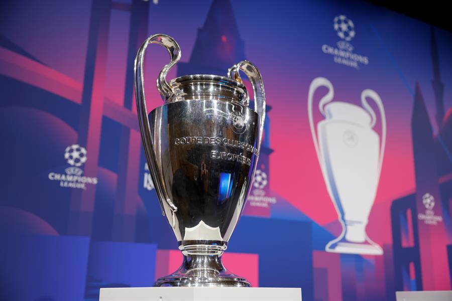 La UEFA sorteó este viernes los emparejamientos de los cuartos de final de la Liga de Campeones de Europa. El Bayern Múnich se medirá contra el PSG y el Real Madrid contra el Liverpool; además el Manchester City jugará contra el Borussia Dortmund y el Porto contra el Chelsea.