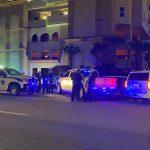Un hombre murió tras saltar desde un balcón del piso 23 de un edificio en Panamá City Beach, en Florida, Estados Unidos, informaron este martes las autoridades.