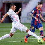 El Real Madrid y el FC Barcelona se enfrentan en el clásico de España en la jornada 30 de LaLiga. El cuadro merengue es tercero de la tabla con 63 puntos; mientras que el Barsa va segundo con 65. El líder es el Atlético con 66 unidades.